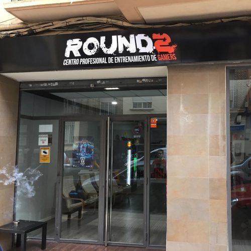 round2 rótulo exterior